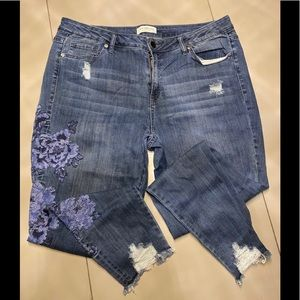Lane Bryant - Jeans w/Blue Embroidery Flowers